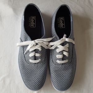 Keds size 9.5 blue and white polka dot sneakers
